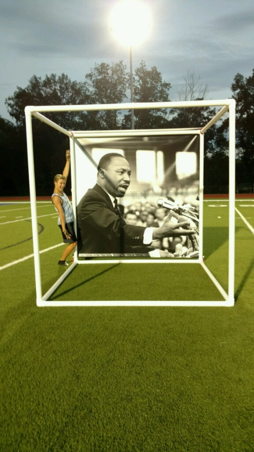 photo prop holder for marching band