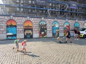 mural hides construction site